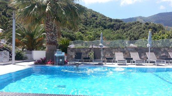 Grifo Hotel Charme & SPA: Piscina