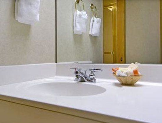 Days Inn Portland/Gresham: Bathroom