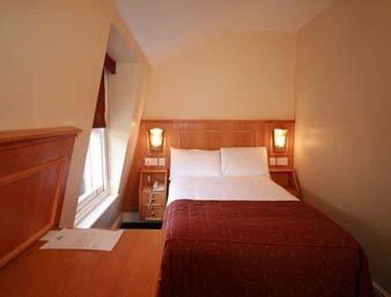 Days Inn London Hyde Park: Guest Room