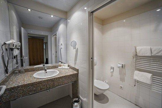 Starlight Suiten III Heumarkt: Bathroom