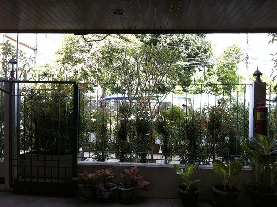 Boonsiri Place: Ausblick von der Terrasse