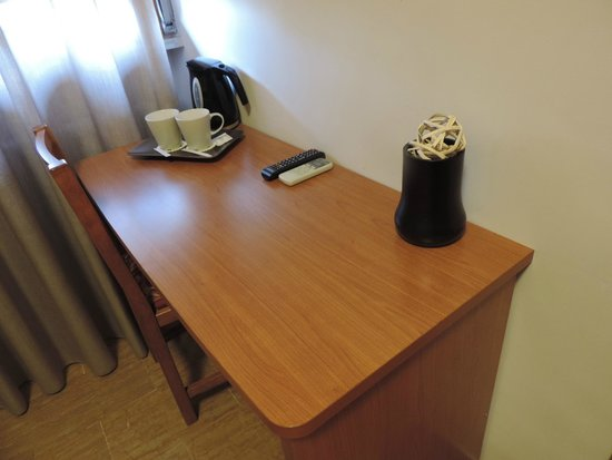 Hotel Franchi: Room offers tea/coffee making facilities ..,
