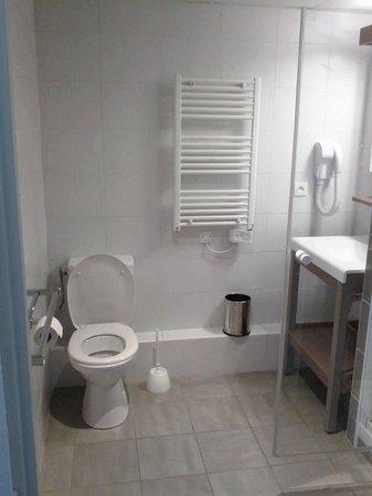Comfort Suites Cannes Mandelieu : Bagno