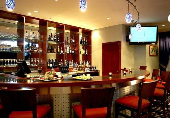 Fairfield Inn & Suites Montreal Airport : Napa Lounge