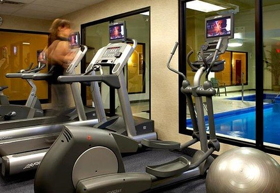 Fairfield Inn & Suites Montreal Airport : Fitness Room