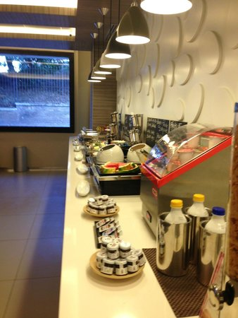 Mercure Rome Colosseum Centre: nice breakfast2