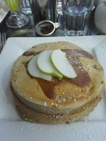Elixir Cafe : Applr & cinnamon pancakes