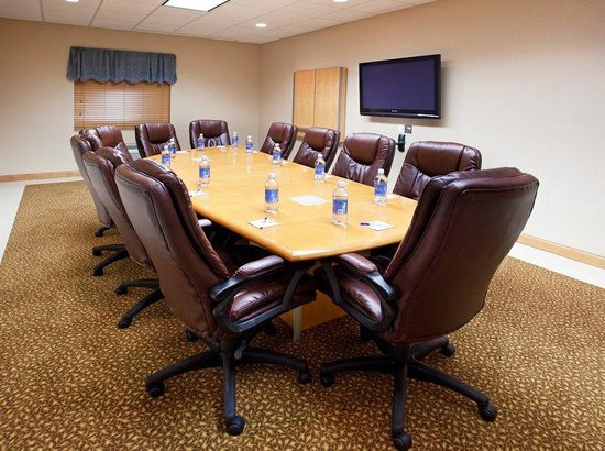 Holiday Inn Express Hotel & Suites Chesterfield: Spacious Boardroom