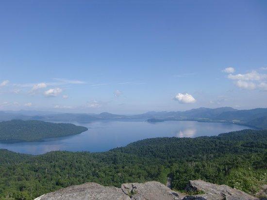 Bihoro-cho, Japan: 屈斜路湖とその中心のカルデラを一望