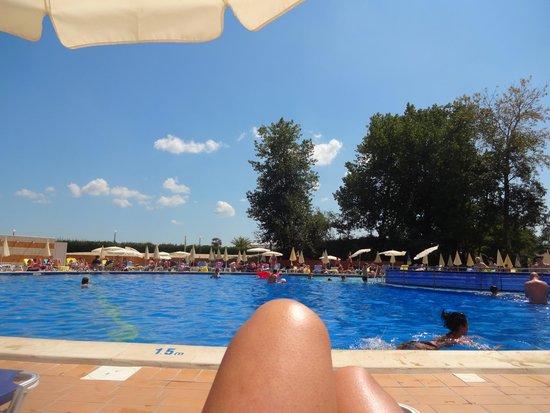 Hotel Riu Helios: Pool side