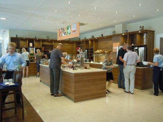 Holiday Inn Express Dresden City Centre: breakfast area