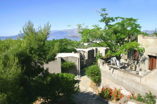 Cavo Grosso Bungalows: View from the main building