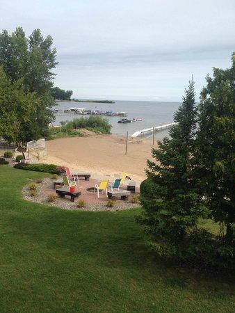 Sand Bay Beach Resort: One of 3 firepits
