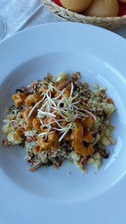 Il Portico: Gamberetti al curry con cuscus e verdurine... fantastico!