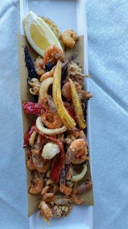 Il Portico: Misto di frittura di pesce. .. ;-)