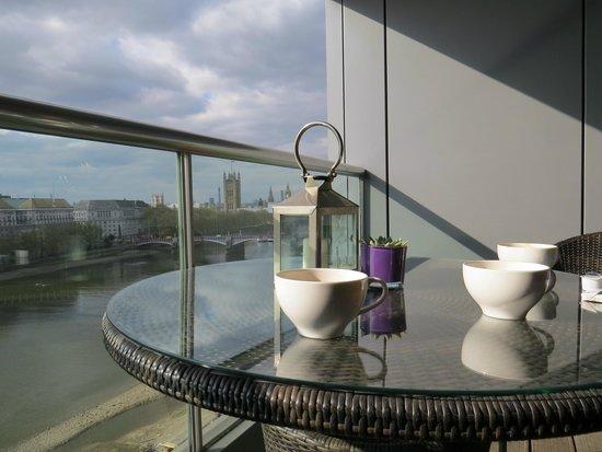 Plaza on the River : Balcony