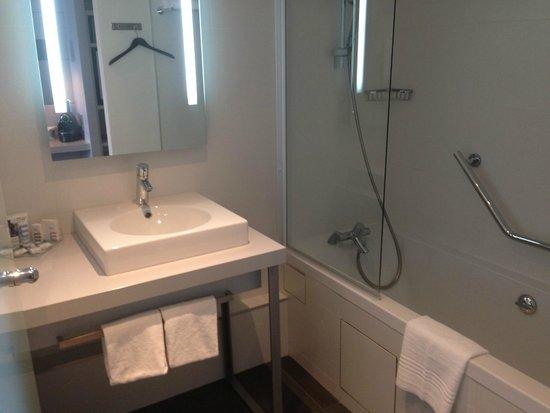Mercure Paris Montmartre Sacre Coeur: salle de bain