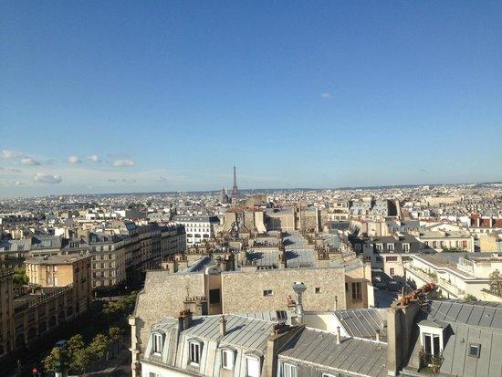 Mercure Paris Montmartre Sacre Coeur : vue de la chambre