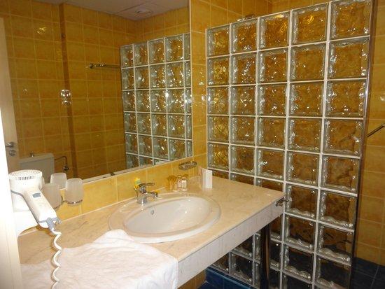 Hotel Riu Helios : Bathroom