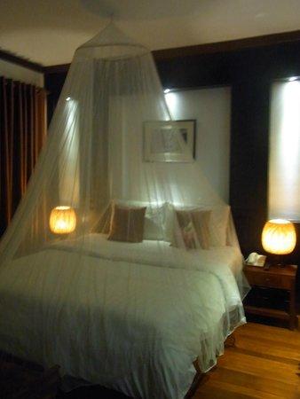 Diamond D'Angkor Boutique: Bed @ Junior Suite