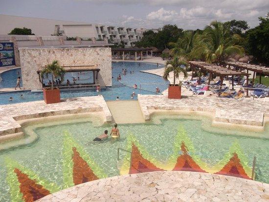 Grand Sirenis Riviera Maya Resort & Spa: Pool 1