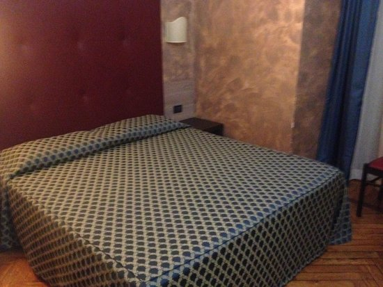 Hotel Panizza : Cama doble