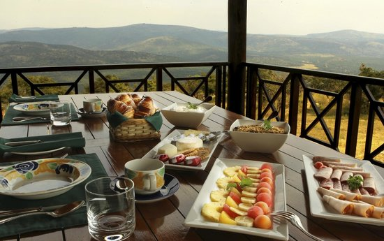 Pakamisa Private Game Reserve: Fresh fruit for breakfast