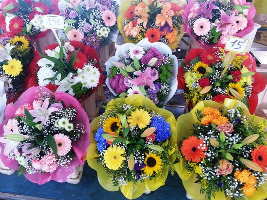 Old Town (Vieille Ville): Flower Market
