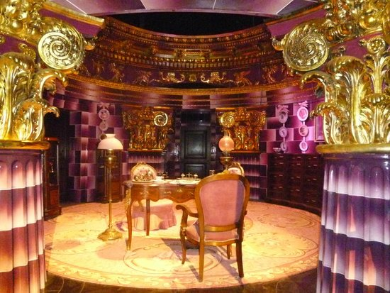 Warner Bros. Studio Tour London - The Making of Harry Potter: Professor Umbridge's office