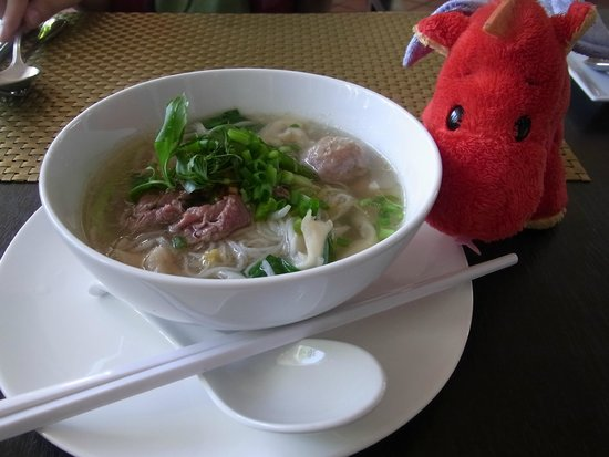 Diamond D'Angkor Boutique: Noodles for breakfast