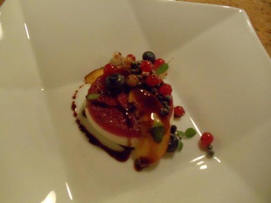Altura Restaurant: Vanilla Rum Pannacotta