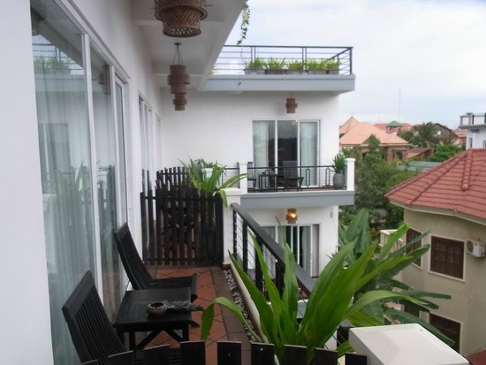 Diamond D'Angkor Boutique: Balcony in the afternoon