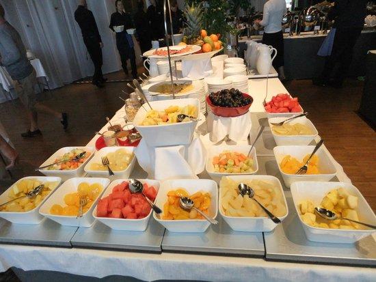 Radisson Blu Waterfront Hotel: 豊富な朝食ビュッフェ