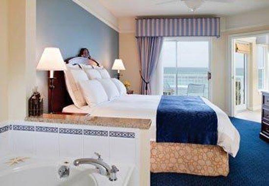 Marriott's Aruba Surf Club: Villa Master Bedroom