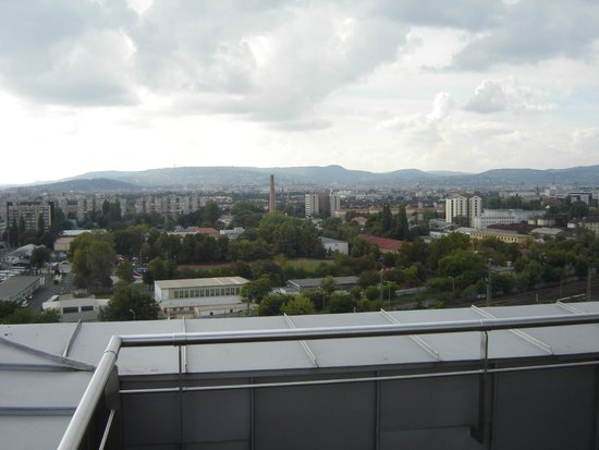 Expo Congress Hotel: widok z tarasu hotelowego na ostatnim piętrze