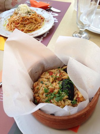 Anogi : Vegetable Spagethi and Seafood Orzo