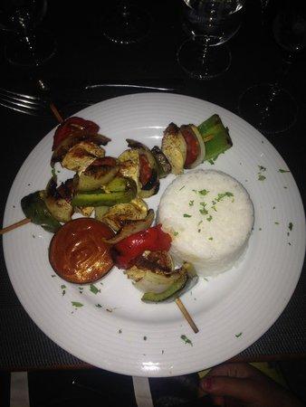 Bistro: chicken kebab with sweet chilli sauce