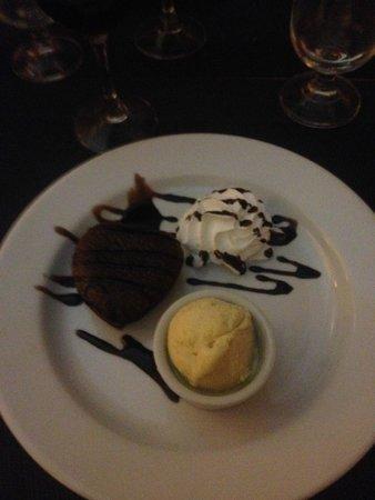 Bistro: homemade chocolate fondant