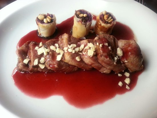 Metro Bistro - Templo de Debod : Sweet and sour Iberico pork - beautiful!