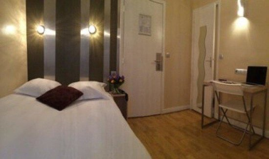 Hotel Paris Legendre: Guest Room