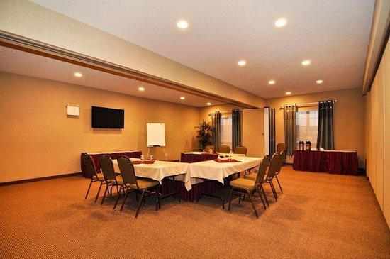 Best Western Plus Saint John Hotel & Suites: Meeting Room