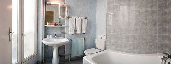 Hotel Paris Legendre : Bathroom