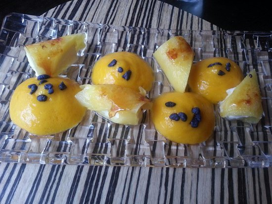 Metro Bistro - Templo de Debod : Pineapple cannelloni,  simply delicious!