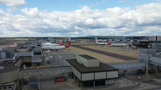 BLOC Hotel Gatwick Airport: The view out the window!
