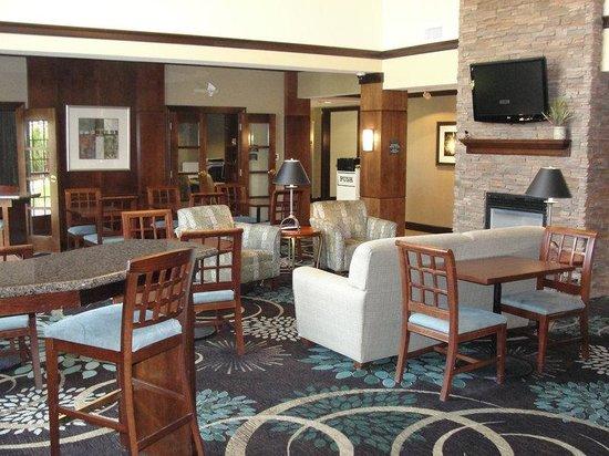 Staybridge Suites East Lansing-Okemos (MSU Area): Hotel Great Room