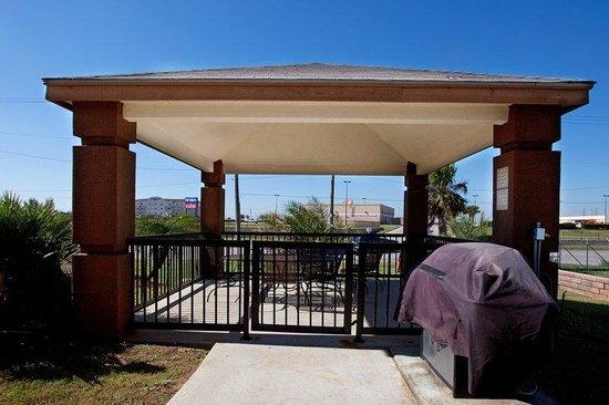 Candlewood Suites Galveston: Gazebo Area