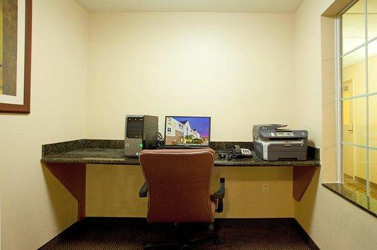 Candlewood Suites Galveston: Business Center