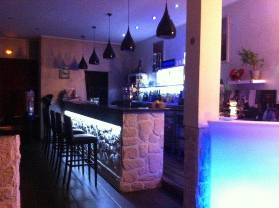 Restaurant l 39 adresse dans port la nouvelle avec cuisine fran aise - Restaurants port la nouvelle ...