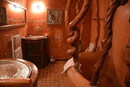 Riad Laaroussa Hotel and Spa: Charming