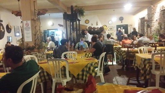 Agriturismo Santa Margherita: Restaurant Santa Margherita
